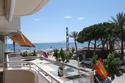 Description for a11y. Click&booking Santillana Plaza Mar. Salou ...