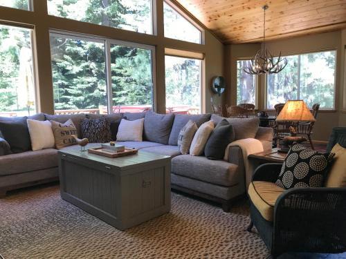 Black Bear Lodge Home