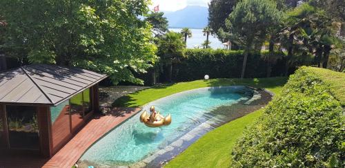Montreux Lake Garden Villa