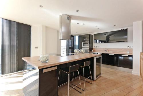 Amazing Penthouse City Centre Apartment