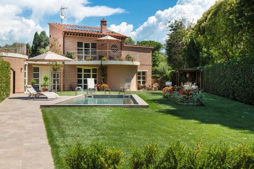 The 10 best villas in lucca italy - Hotels in lucca italy with swimming pool ...