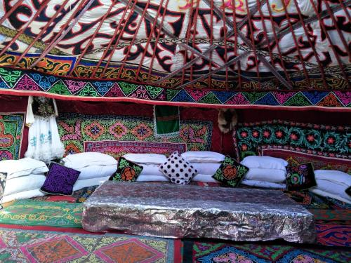Kazakh Handsome Boy Tent