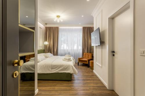 Nephelae Boutique Rooms