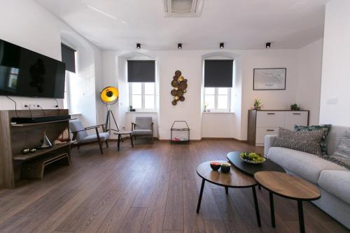 Apartments Del Molo