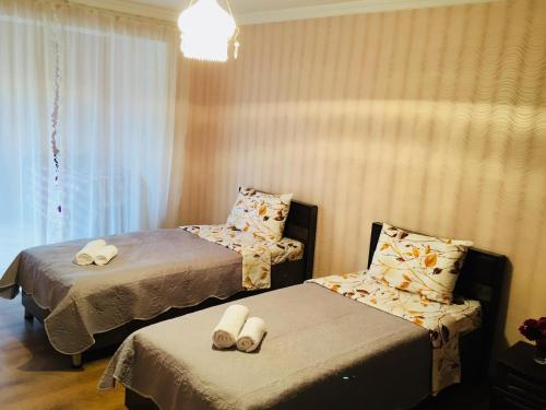 Guest House Lali Hotel - room photo 12517114