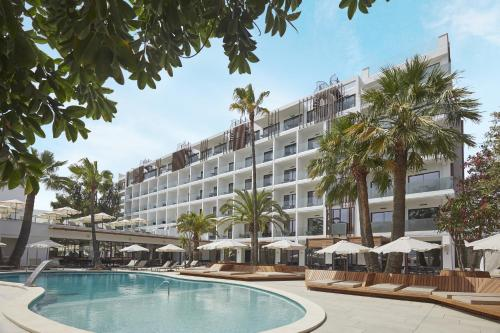 Reserve This Beach Hotel Description For A11y Caprice Alcudia Port