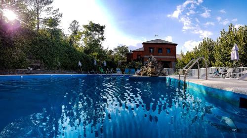 Booking.com: Hoteles en El Tiemblo. ¡Reserva tu hotel ahora!
