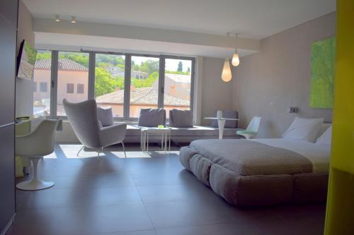 101 Adrianou Apartments