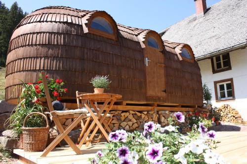 die 10 besten tiny houses in deutschland. Black Bedroom Furniture Sets. Home Design Ideas