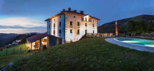 Booking.com: Hoteles en Igantzi. ¡Reserva tu hotel ahora!