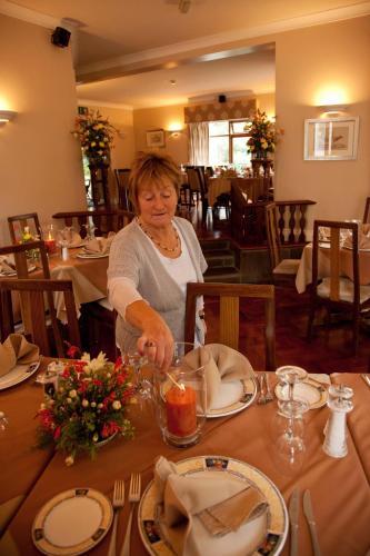 哈諾拉小屋旅館及餐廳