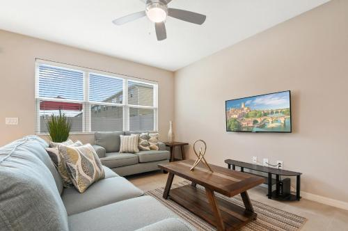 Family Friendly Four Bedrooms Home 5166A