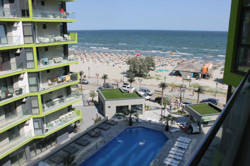 On Beach-Mamaia Residence