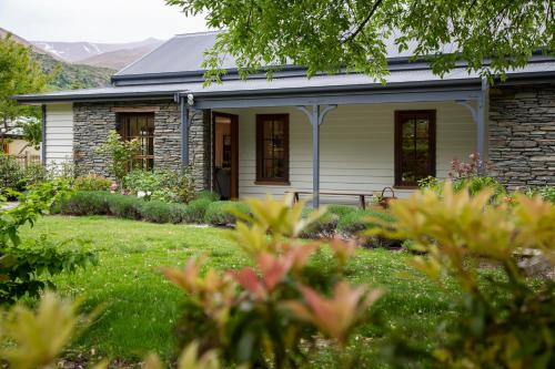 Arrow Cottage