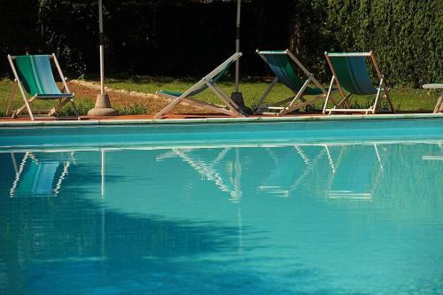 Colle di Val d'Elsa Villa Sleeps 4 Pool WiFi