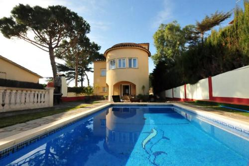House with Pool and Sea Views, Alella – Precios actualizados ...