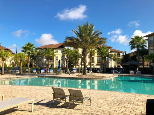 Beautiful & New 3Bed Apt at minutes away from Disney!