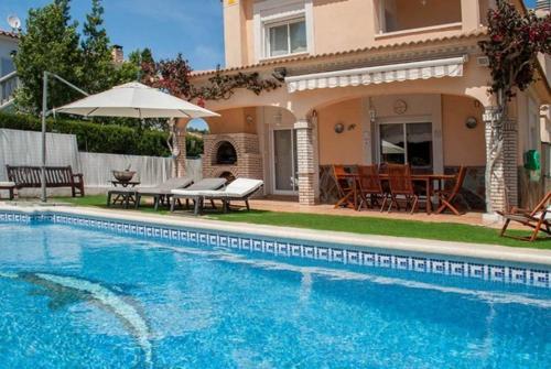 Los 10 mejores hoteles con piscina de Sant Vicenç de Calders ...