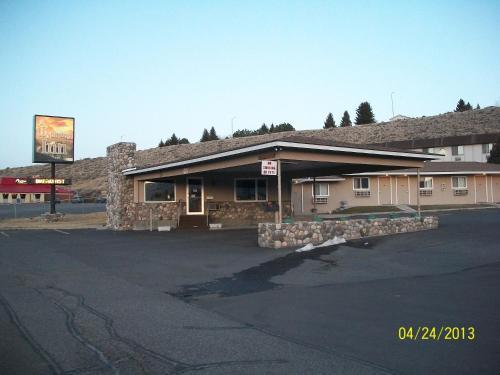 A Wyoming Inn