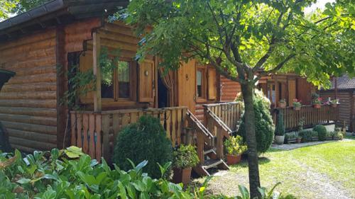 Chalet Baita GEA, Sestola, Italy - Booking.com