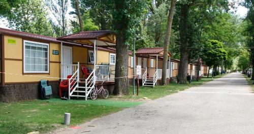 Description for a11y. Camping Fuentes Blancas