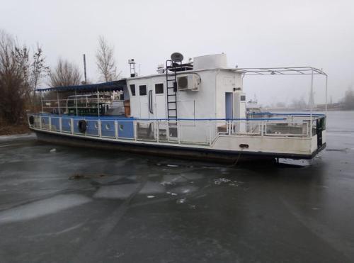 Прогулочное судно для отдыха