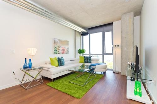 Downtown Seattle Mid-Century 2 Bedroom suite