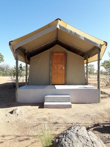 Blue Bushman Luxury Tented Lodge & Camping