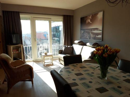 Charming Apartment direct access beach Blankenberge