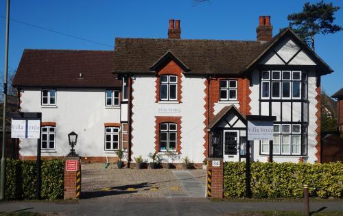 Villa Verde Gatwick