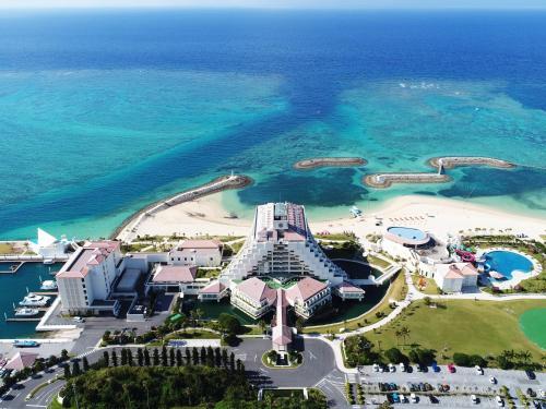 Sheraton Okinawa Sunmarina Resort