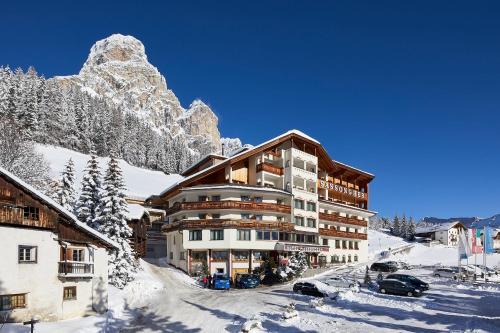Booking.com: Hotel Corvara in Badia. Prenota ora il tuo hotel!