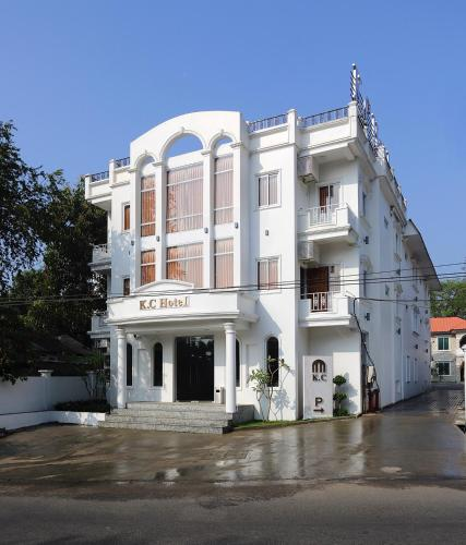 The 10 best places to stay in Yangon, Myanmar | Booking com