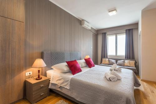 Golden Split Rooms