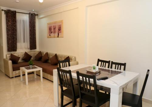 APPARTMENT AYOUB