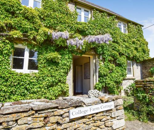 Miraculous The 10 Best Spa Hotels In Lechlade Uk Booking Com Home Interior And Landscaping Palasignezvosmurscom