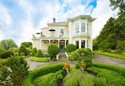 Fairholme Manor Inn