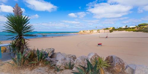 236857249b35 I 10 migliori hotel vicino alla spiaggia di El Puerto de Santa María ...