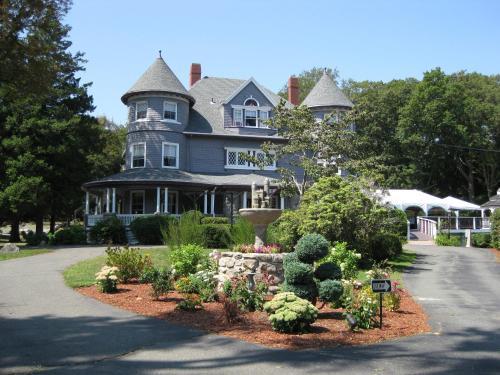 Castle Manor Inn