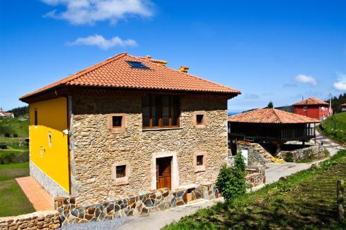 Los 5 mejores hoteles con parking de Soto del Barco, España ...