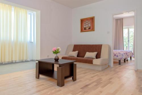 Maslina Apartments