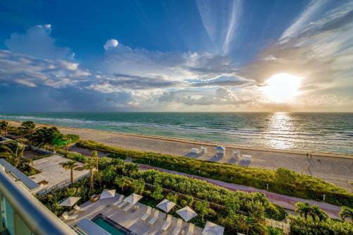 Mare Azur Miami Luxury Apartments by MC