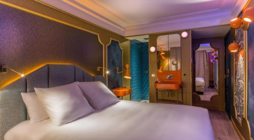 The 10 Best Luxury Hotels In Paris France Booking Com