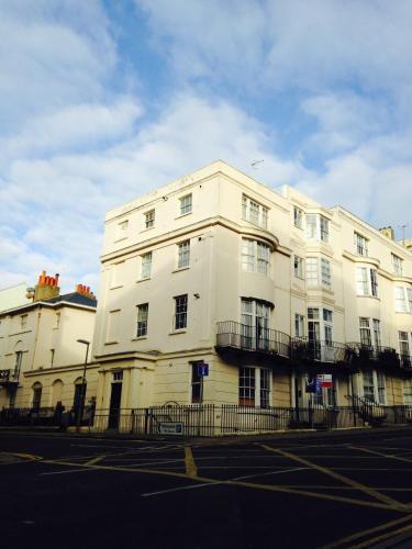 Cannon Spa Brighton Beach Apartments