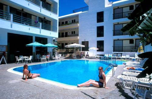 Poseidon Hotel and Apartments