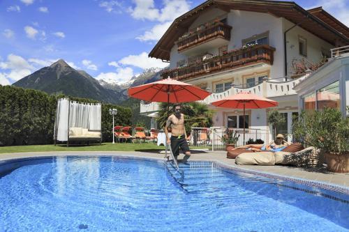 Die 10 Besten 4 Sterne Hotels In Schenna Italien Booking Com