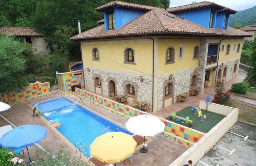 De 10 beste hotels met zwembaden in Soto de Cangas, Spanje ...