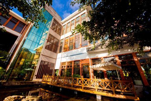 Jade Hot Spring Hotel