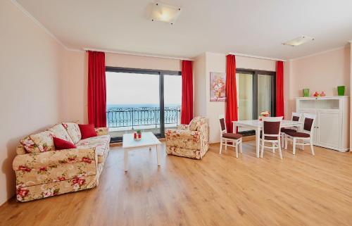 Alexandrovi Apartments in Gardenia Palace