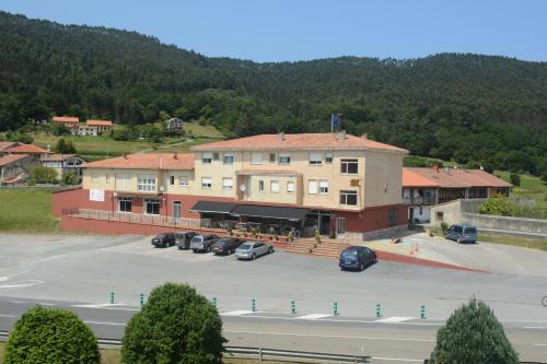 Booking.com: Hoteles en Pesués. ¡Reserva tu hotel ahora!